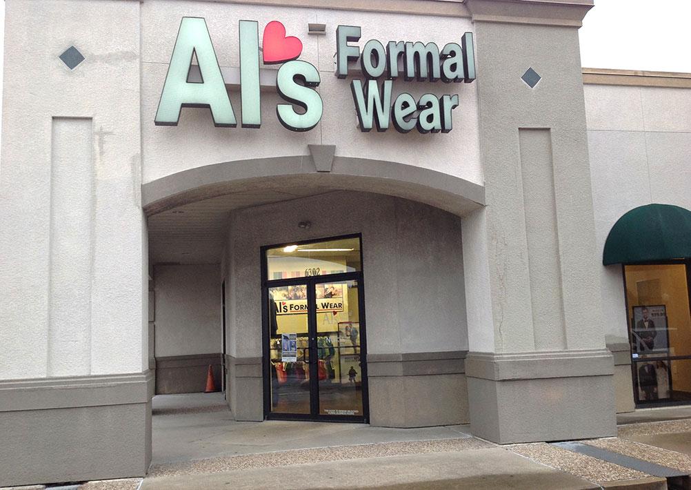 Al's Formal Wear storefront in Victoria, Texas